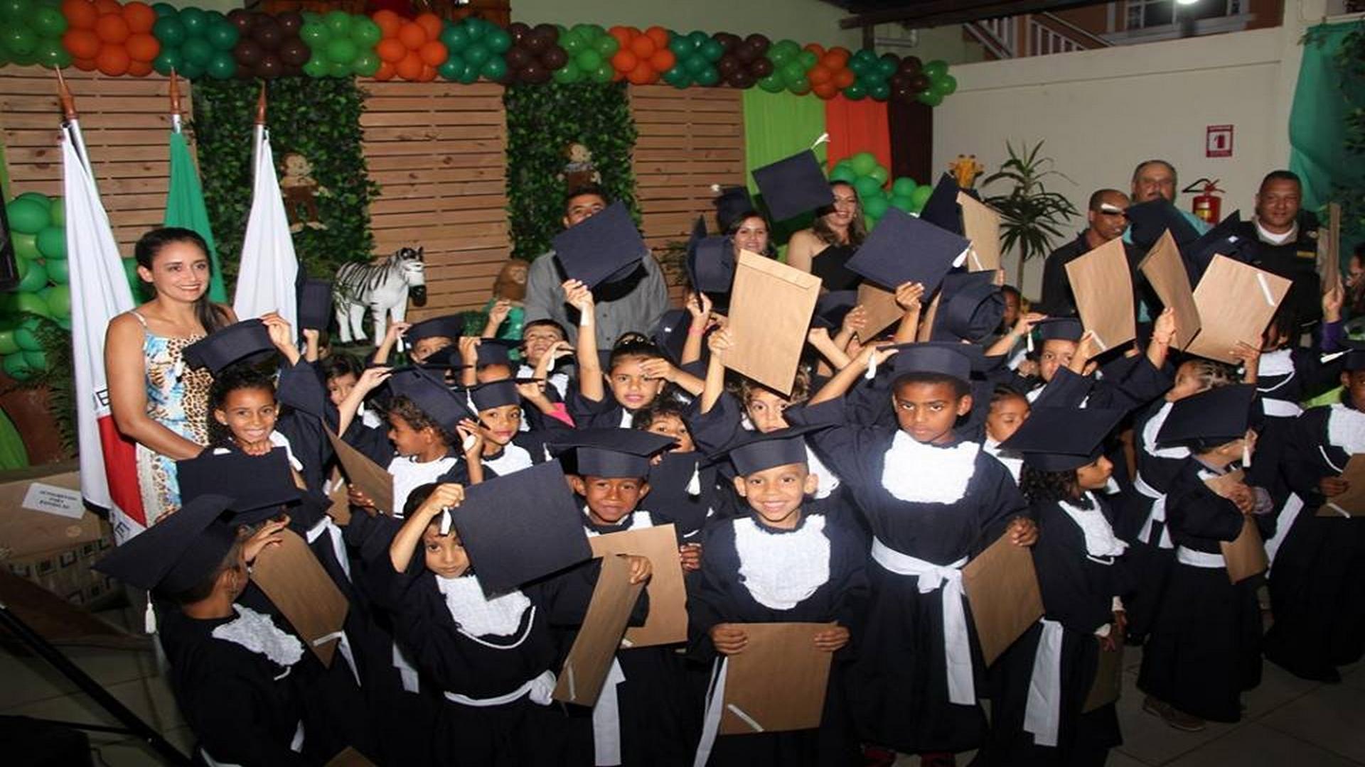 PREFEITURA MUNICIPAL REALIZA FORMATURA DAS TURMAS DE EDUCAÇÃO INFANTIL !!