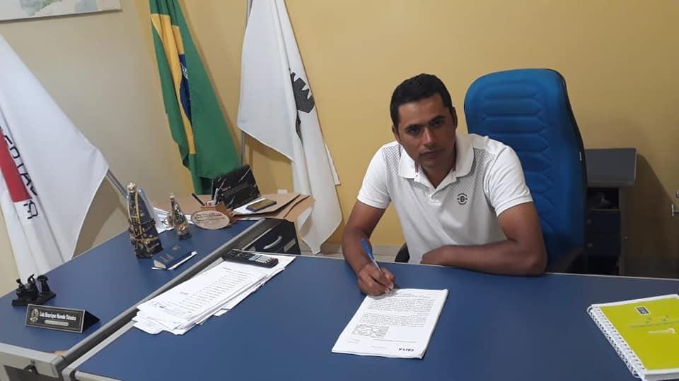 PREFEITURA MUNICIPAL DE ARAPONGA ASSINA CONTRATO DE REPASSE PARA EXECUÇÃO DE OBRAS !!!